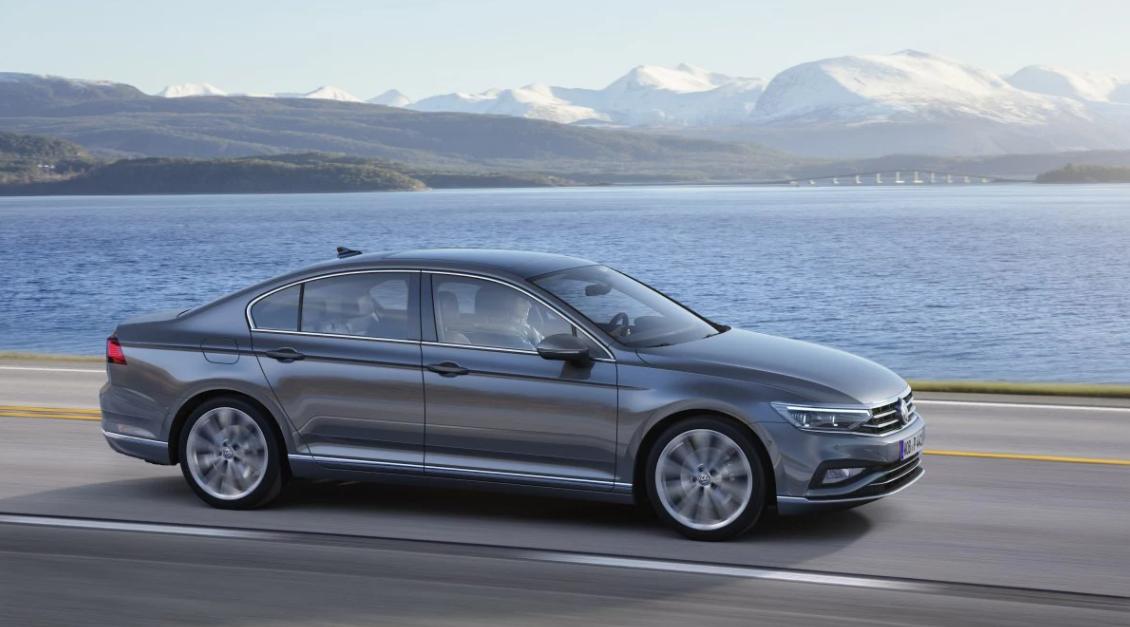 На российский рынок вернулся 2-литровый Volkswagen Passat